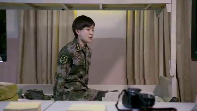 青春集结号:女兵们录完视频,疯狂吐槽教导员,没想到忘关摄像机