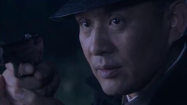 雪豹:卫国带人偷袭日本化工厂,不料遭自己人出卖,伤亡惨重!