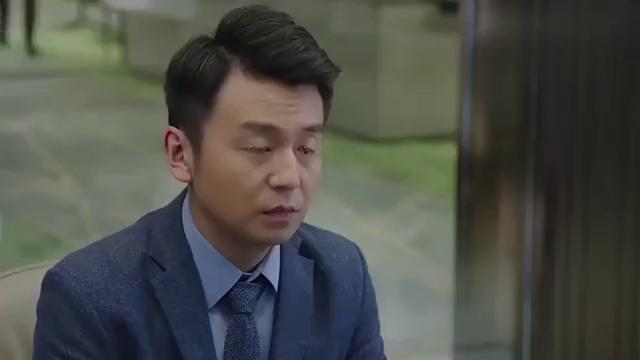 靳东热剧:靳东不让吴越辞职,雷佳音终于放心了