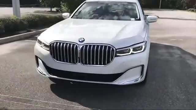 2021款宝马7系实车展示,颜值太高,买不买奔驰S级自己看着办