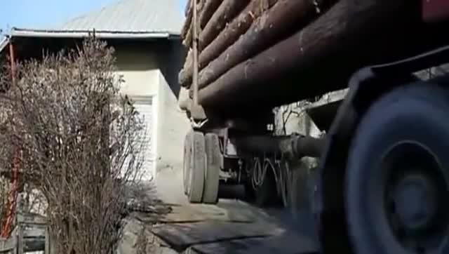 快来看看货车司机这个倒车技术,十年老司机都服了