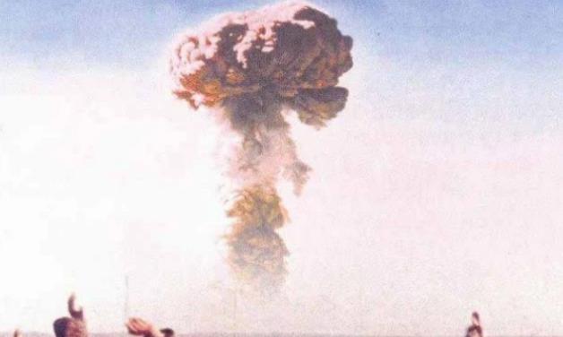 1964年中国首枚原子弹试爆成功,蒋介石得知消息后,只说了6个字