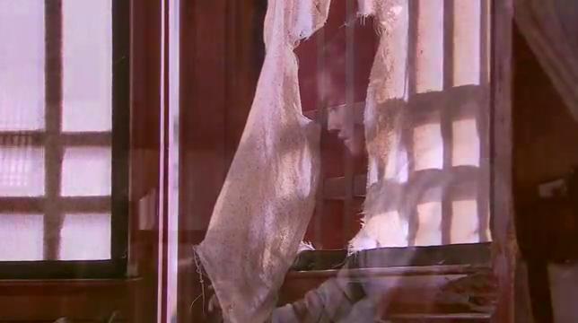 倾城绝恋:公主忏悔抄佛经,老嬷嬷看不惯,竟强行抓她去洗衣服!