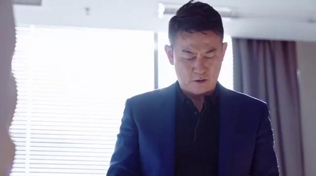 外科:傅博文为保护陆晨曦,开记者会解衬衫,记者们呆若木鸡