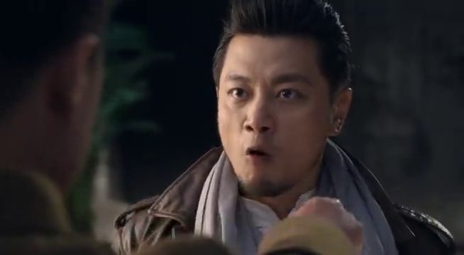 战昆仑:李鸣生被莫辛烈拿枪指着,要他放了武少雄