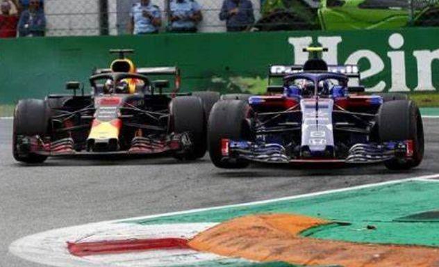 探访F1背后的故事,赛车的马力很强,有意思