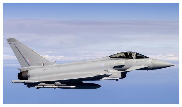 受歼10刺激了?欧洲台风战斗机要升级:上推力矢量发动机