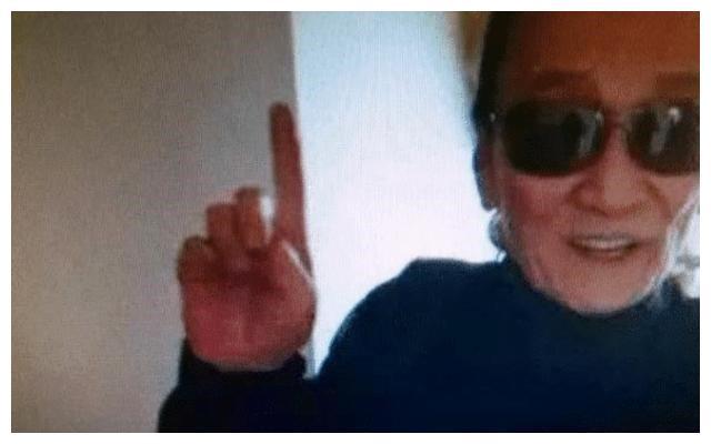 香港记者曝张柏芝三胎生父是谢霆锋,难怪谢贤早就说是他的孙子
