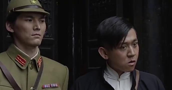 斜刘海汉奸想明白这个代号中的含义,却被一巴掌打了