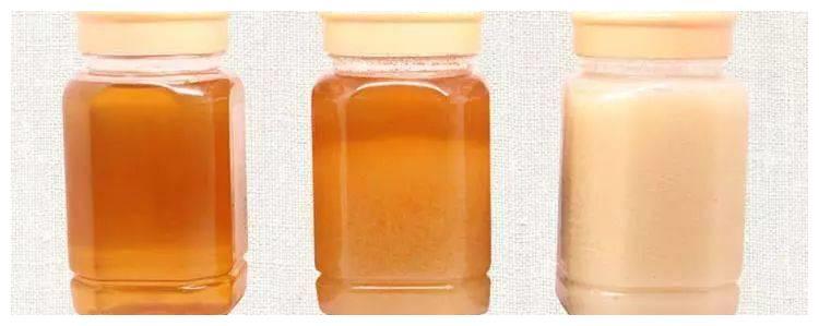 """蜂蜜下面的""""白糖"""",是养蜂人的良心!"""