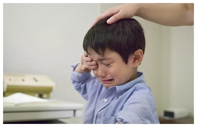 有同学叫任沯,高二语文老师问他知道怎么念吗?然后尴尬了