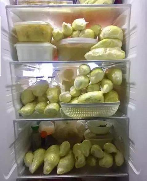 开心一刻:这冰箱一开把我打了一个个子,这冰箱全是榴莲