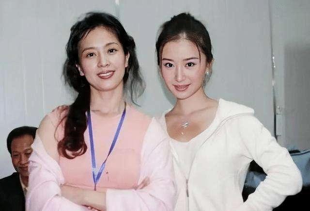 """""""天仙""""刘亦菲自曝全家最丑?妈妈似高配奶茶妹妹,外婆风华绝代"""