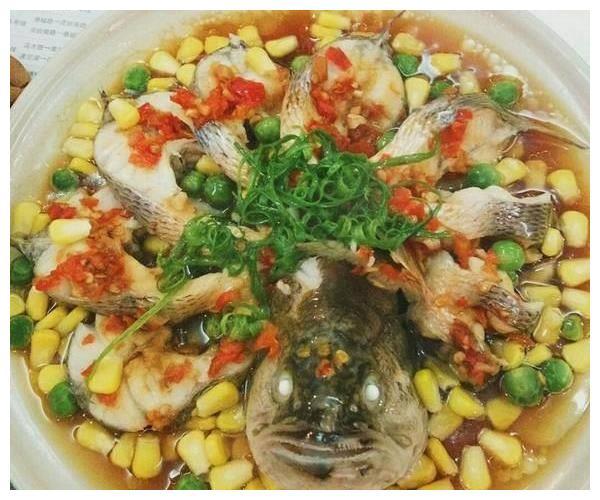 美食推荐:风味回锅肉,剁椒鱼,鸡爪煲的做法