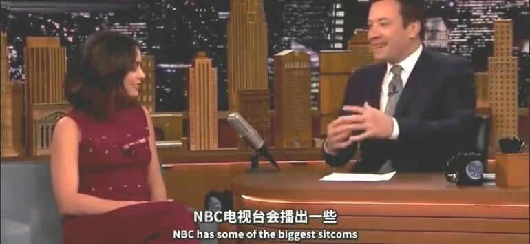 凡妮莎·哈金斯在肥伦秀上唱老友记片头曲,音乐一响就感动了