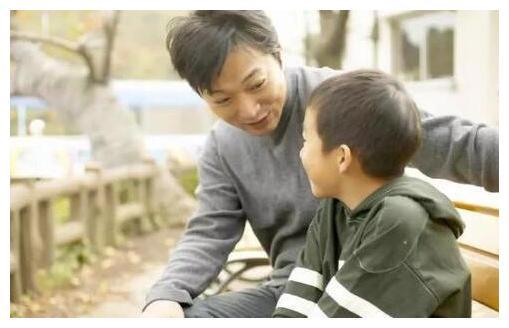 """爸爸把孩子""""暑假作业""""炖了,儿子崩溃大哭,网友:嗯!真香"""