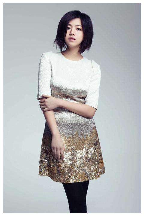 陈妍希真的很爱陈晓吧,眼睛里的爱都要溢出来了,真让人羡慕