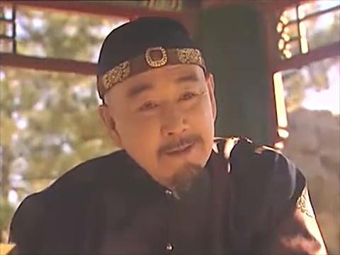 弘时一泡尿,错过了邬先生的考前押题,进而与皇位失之交臂,可惜