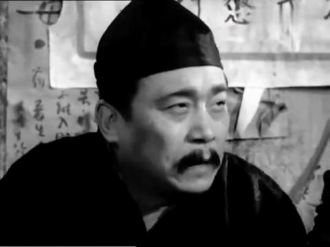 王麻子给卢队长出坏主意,想找人把芋子娃婆娘的儿子拐跑!