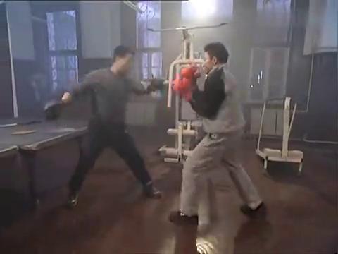 王明心里憋屈,竟暴打同事来出气,刘振汉直接把他打飞!