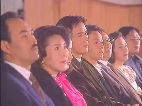 一帘幽梦:绿萍在台上光芒万丈,殊不知等待她的是要分手的男友