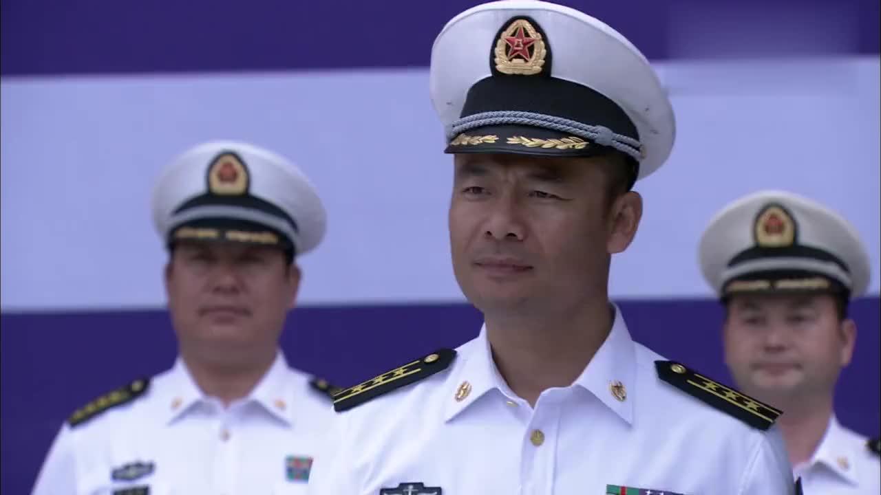 蒋小鱼荣获二等功还提拔晋升为中尉军衔授勋仪式上他人不见了