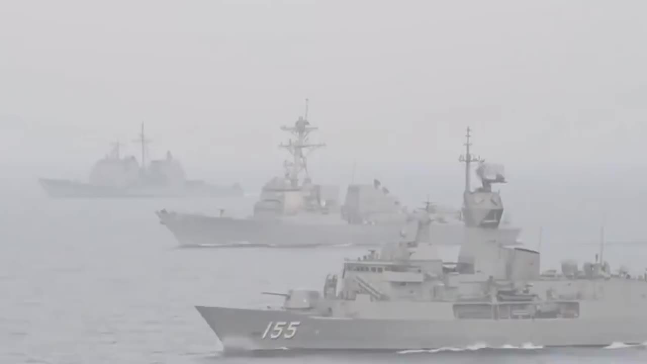 美舰现身中东,战机齐射所有导弹摧毁目标,伊朗王牌战术失效
