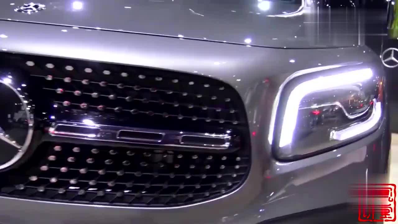 奔驰终于掏家底了,新SUV长超4米6,比Q5L帅售价一出宝马X3慌了