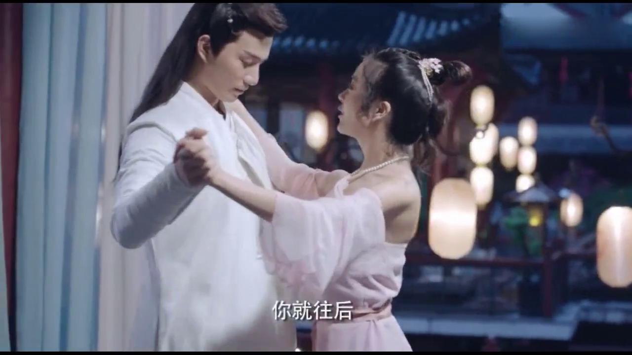 叶瑾萱穿越古代,教夏淳于跳交谊舞,这什么奇怪的舞啊