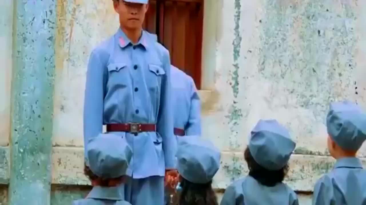 真正男子汉:胖轩哭闹不止,教官训练很有水准,却对小孩束手无策