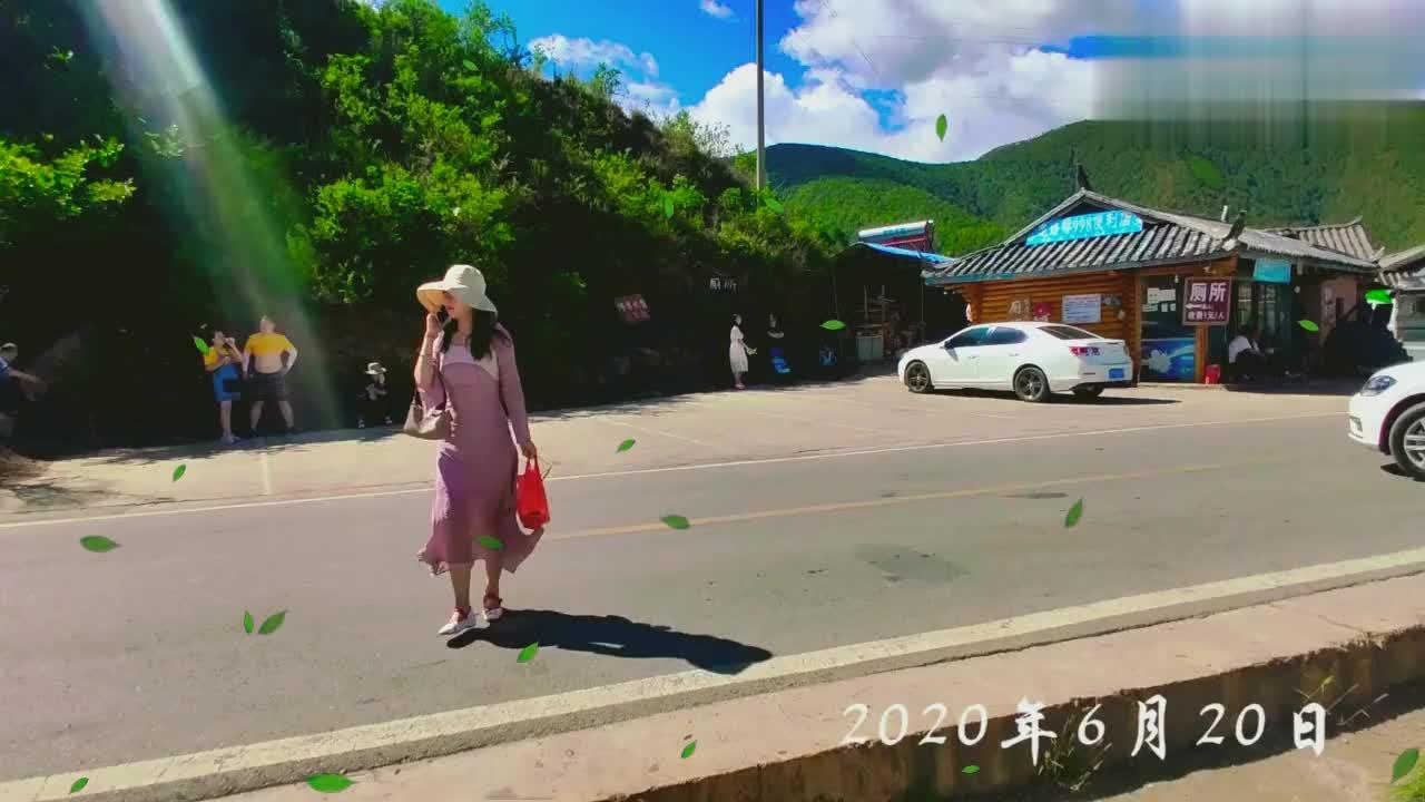 河南小夫妻穷游中国,泸沽湖摩梭人走婚桥形同摆设,小伙不感兴趣