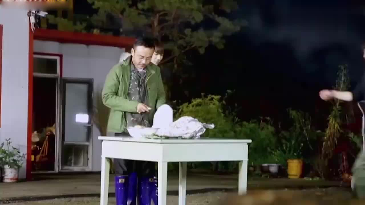 野生厨房:汪涵做肚包鸡成冰冻鸡!惨遭厨艺滑铁卢,李诞笑疯了!