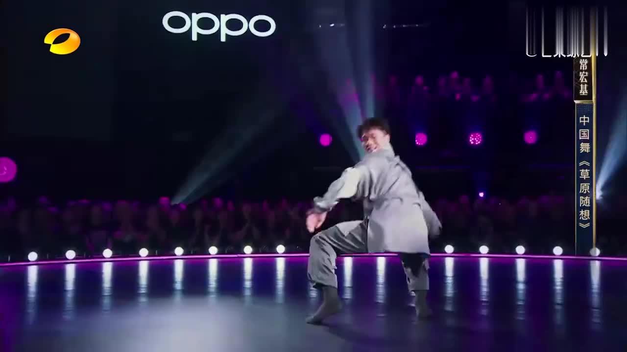 舞蹈风暴:小伙跳中国舞堪比跑酷,观众尖叫连连,评委直接推杆!