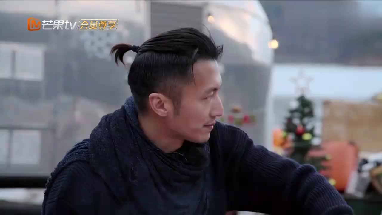 周杰伦的理发师18年都没换,下秒说出原因,谢霆锋都佩服不已!