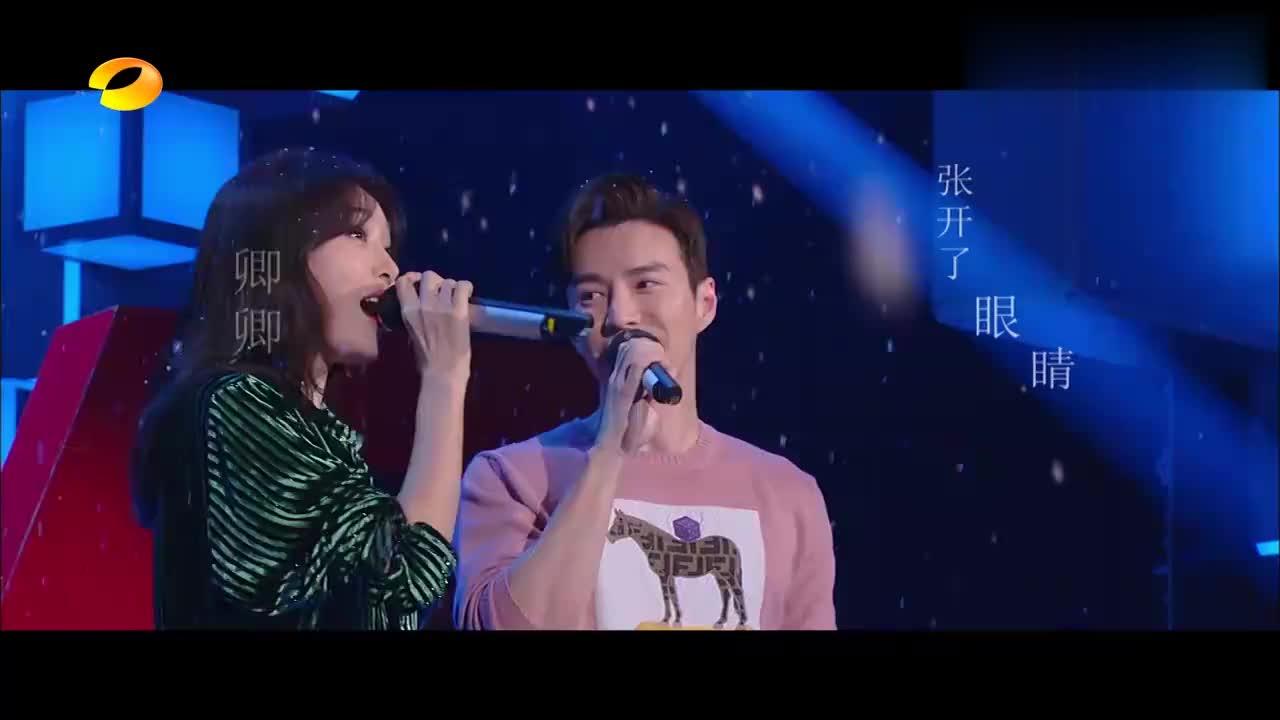 秦岚王冠逸合唱《雪落下的声音》一开口就惊艳全场,声音太温柔!