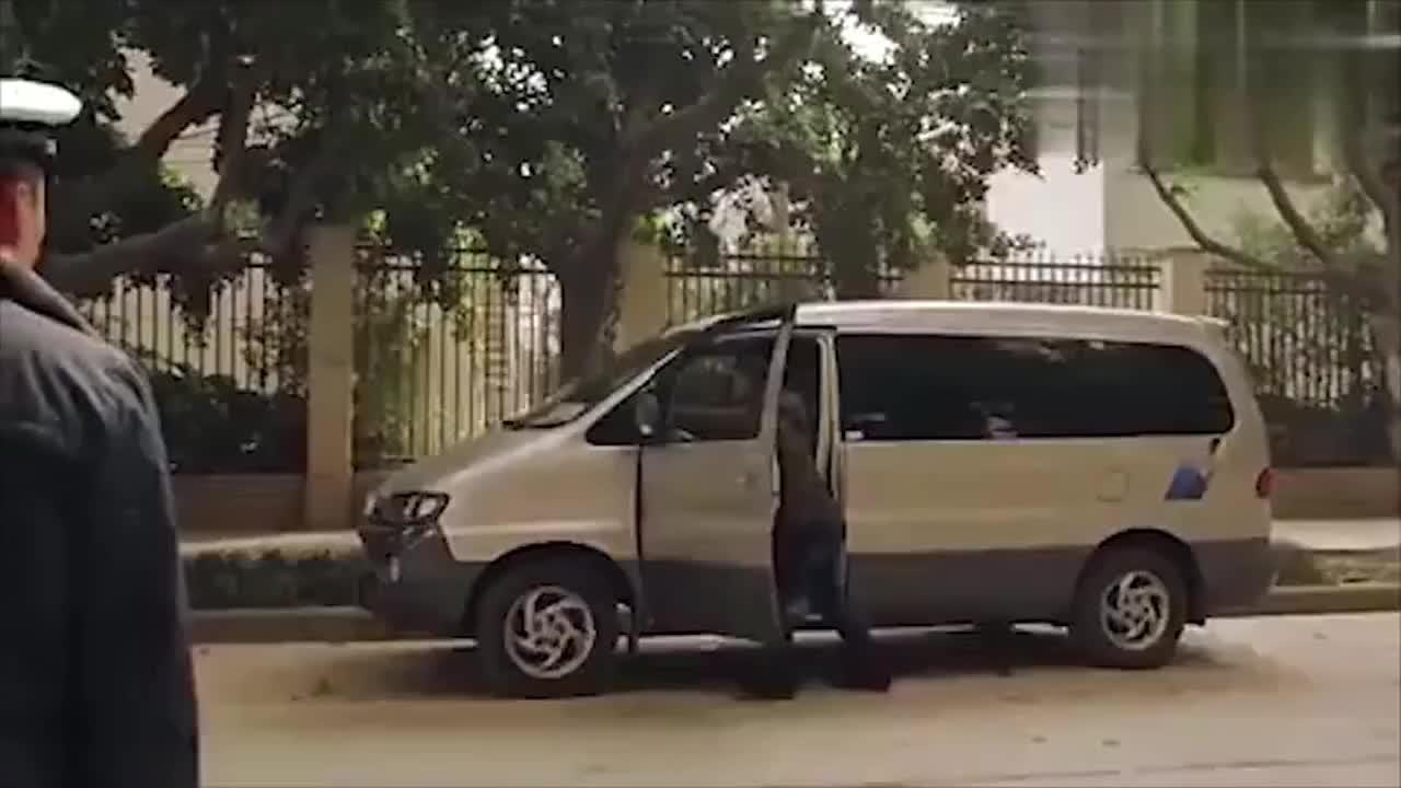 老司机教你一招,开车忘拿驾驶证就这做,交警绝对不挡你