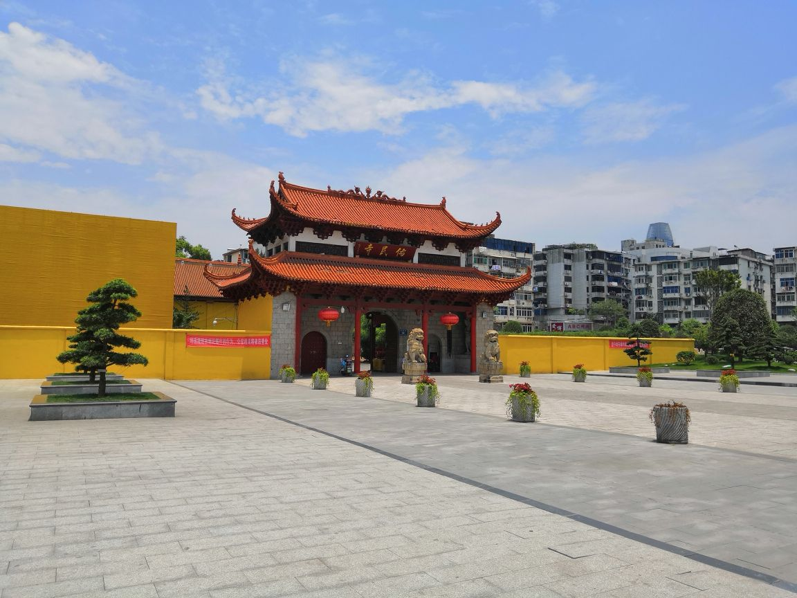 江西香火旺盛的一座寺庙,至今有千年历史,曾是江南的佛学中心