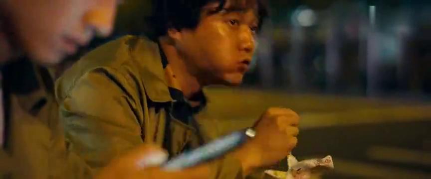 唐探2:秦风三人去公园露宿,正好撞见凶手杀人,这剧情太神了