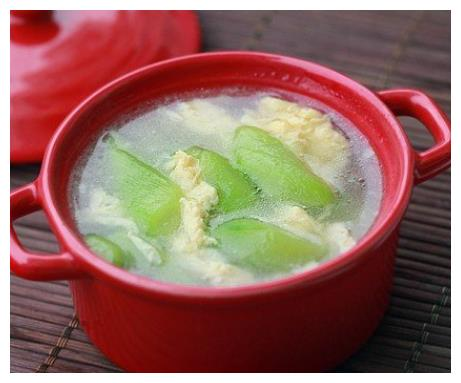 天气干燥是时候多喝汤了,多喝这汤让你皮肤,洁白细腻有光泽