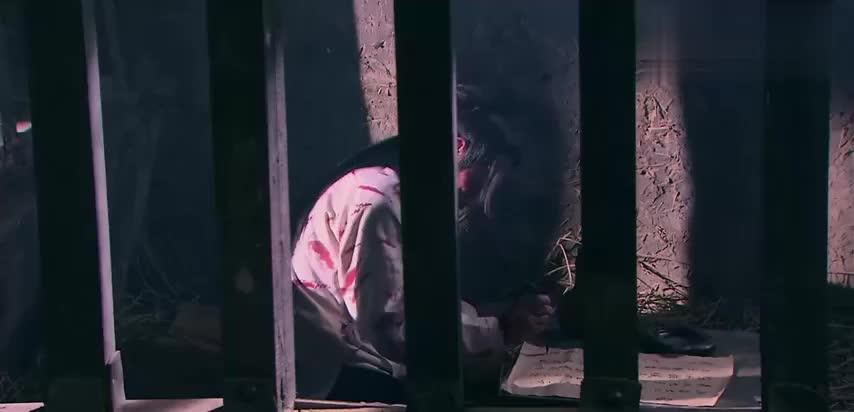 替杨广担下全部罪责,张衡牢里服毒自杀,三王爷杨俊誓要查清真相