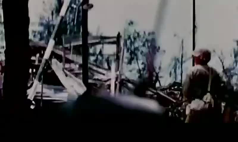珍贵影像:二战日军最大规模自杀,美国记者拍下了这段死亡镜头