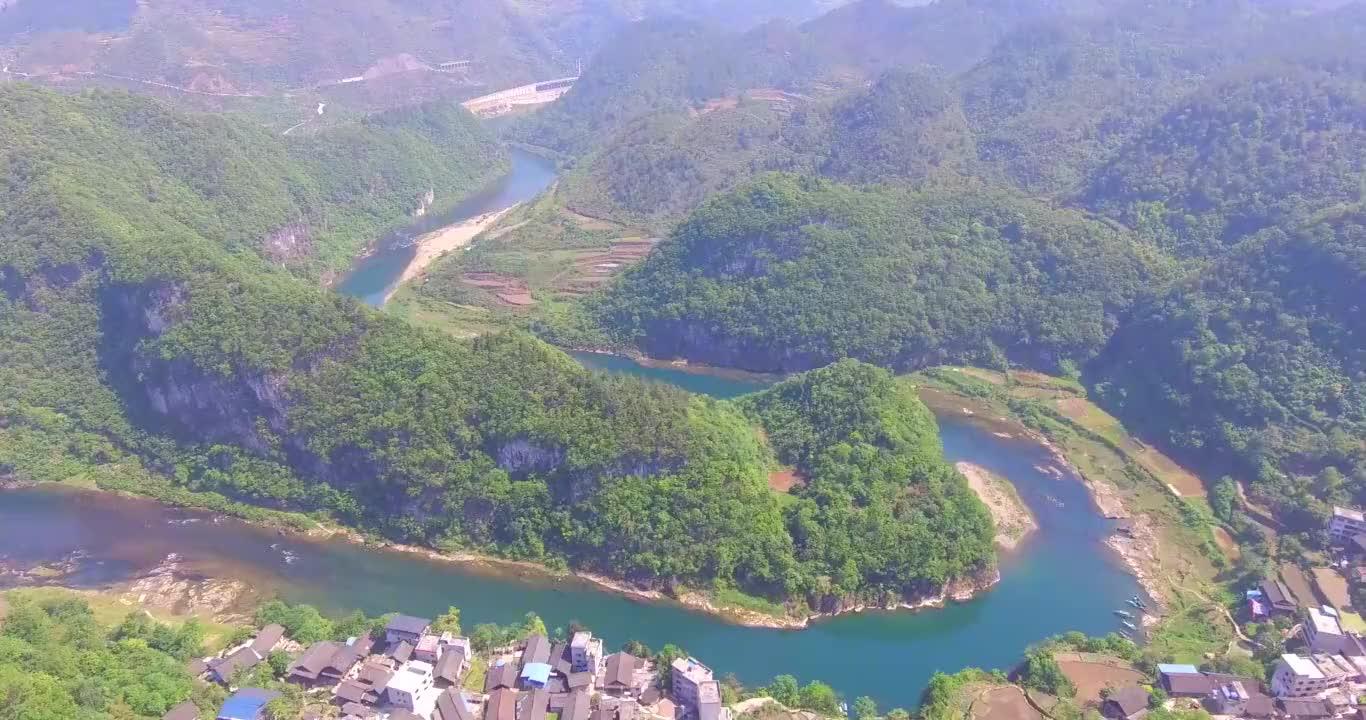 贵州的大山真奇特,不仅美丽,还是个风水宝地!