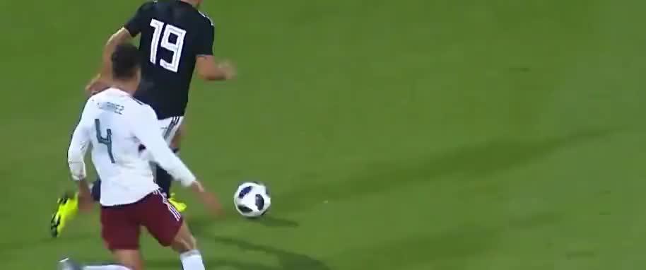 乔瓦尼-西蒙尼持球突破送助攻,迪巴拉包抄到位推射破门
