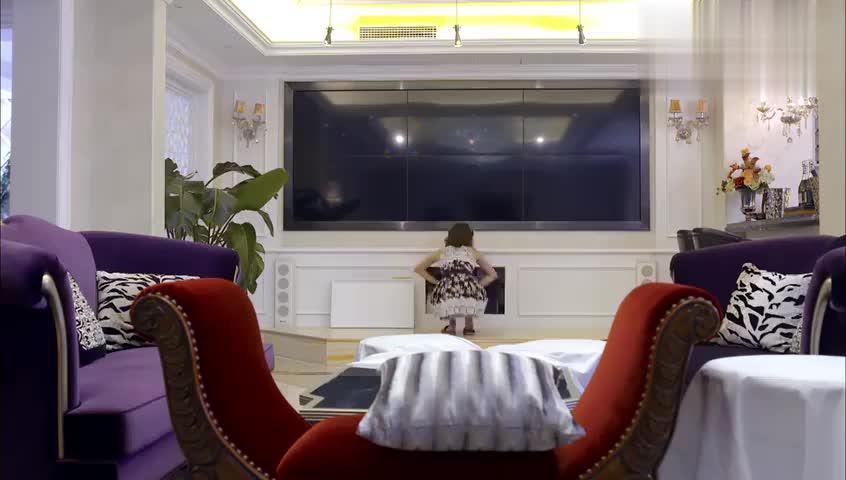 杨佳发现隐藏摄像机,打开录像一看,原来伤害自己的人居然是他