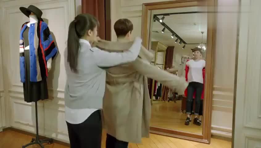 小别离:方圆跟初恋女友去买衣服,谁知被妻子撞个正着,尴尬了!