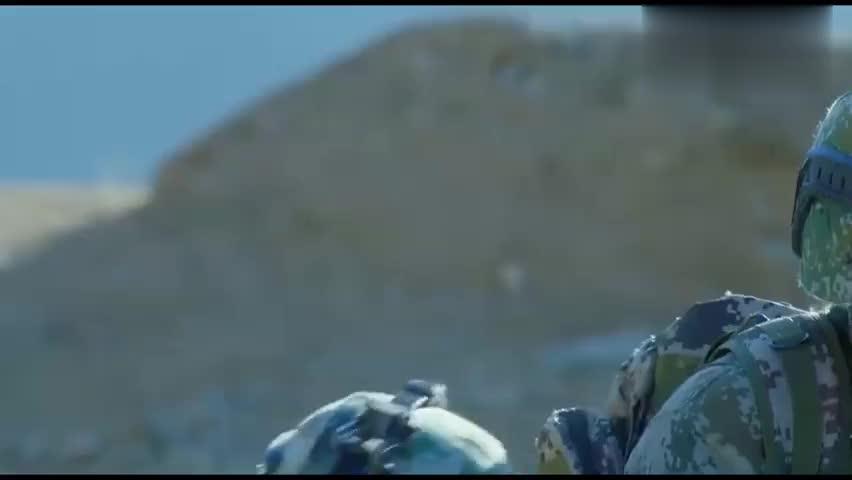 司文斌被蓝军士官打了两枪,原来以前有仇,这算是恩将仇报啊!