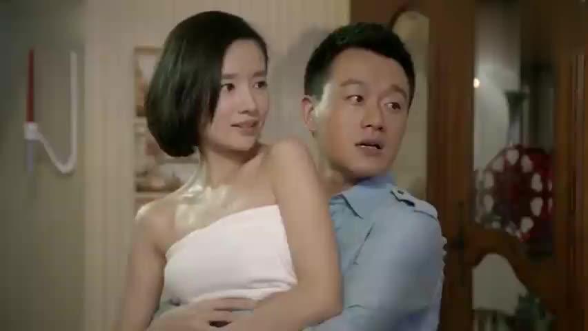 影视片段:罗素抱着心机女尽情的转圈,结果被老婆当场活捉