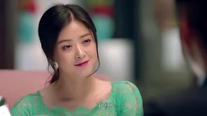 莹莹让樊姐把老同学拉过来聊聊,帮她探探情况,你自己还没弄明白