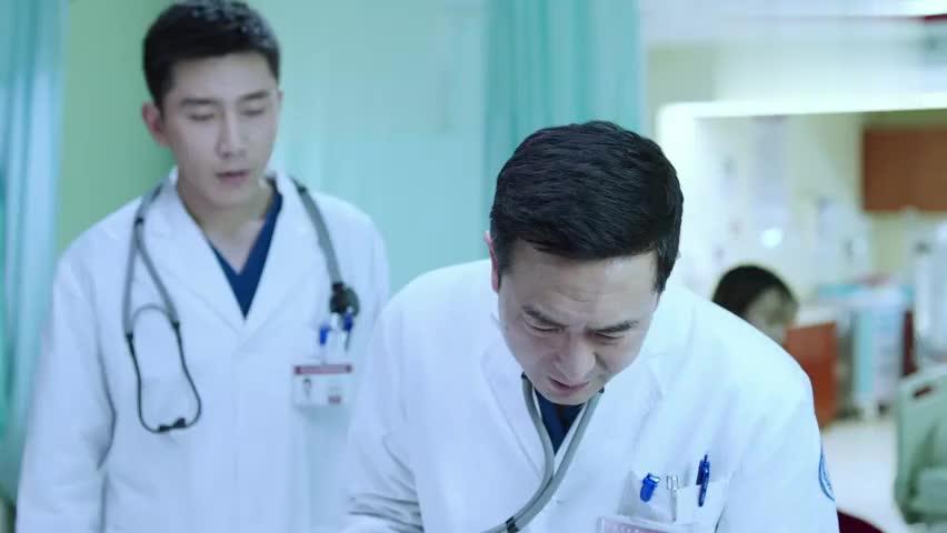 影视:医生乔娜左右逢源惹嫌弃,刘主任不顾师徒情面,戳穿真相