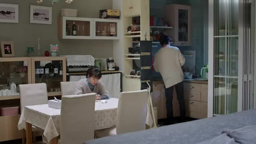 影视精选:朱丽跟明成吐槽苏大强,结果被他听到了